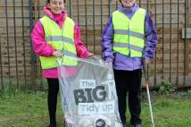 Clifton Green Primary Young Leaders Litter Picking